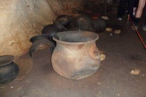 Che-Chem-Ha-Cave-Belize-Mayan-Clay-Pots-300×225